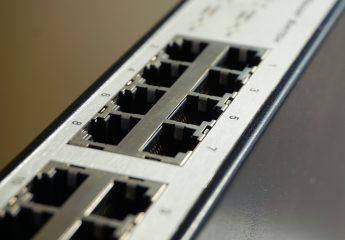 Indirizzo IP pubblico: cosa è, come individuarlo da terminale o da prompt, e come funziona il DDNS per raggiungere un dispositivo dall'esterno